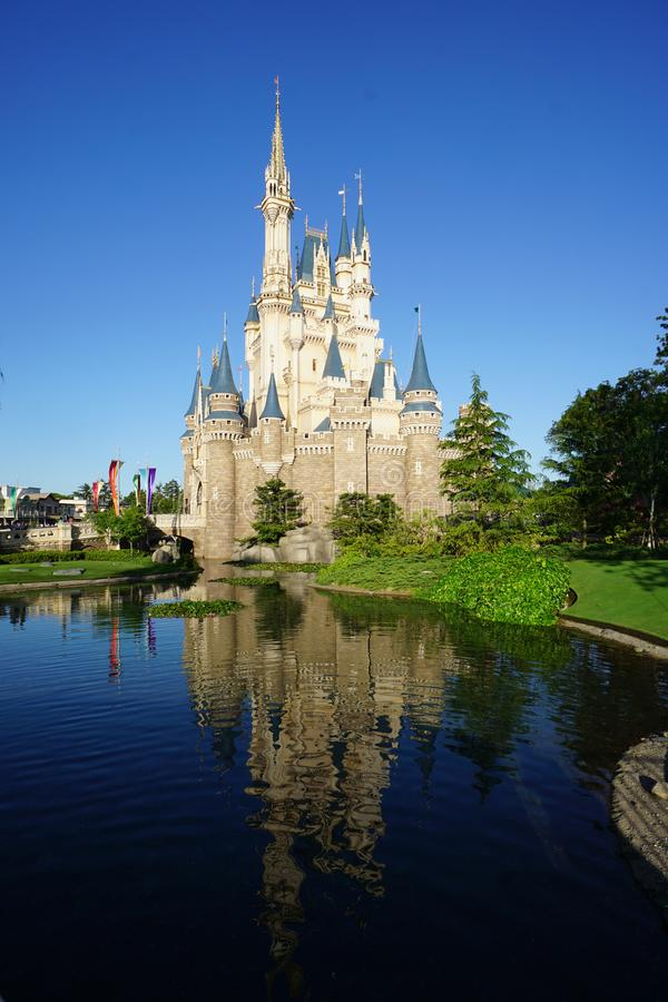 Mooie Cinderella Castle in Tokyo Disneyland, Tokyo, Japan stock afbeelding
