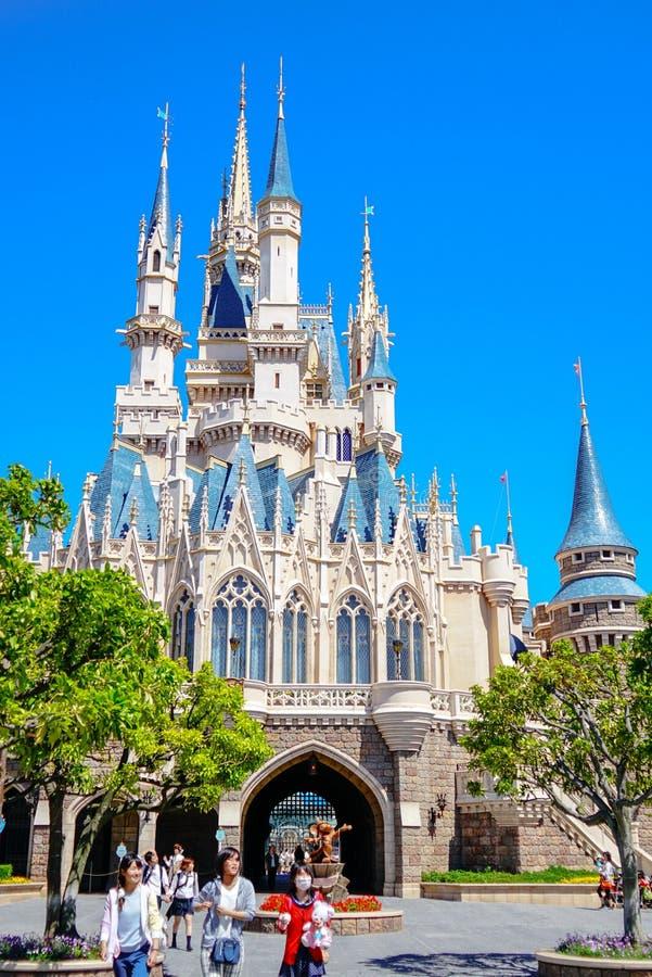 Mooie Cinderella Castle in Tokyo Disneyland, Tokyo, Japan stock afbeeldingen