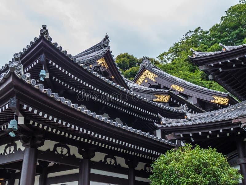 Mooie daken van Tempel hase-Dera in Kamakura - TOKYO, JAPAN - JUNI 12, 2018 royalty-vrije stock foto's
