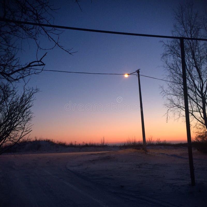 Mooie de winteravond royalty-vrije stock afbeelding