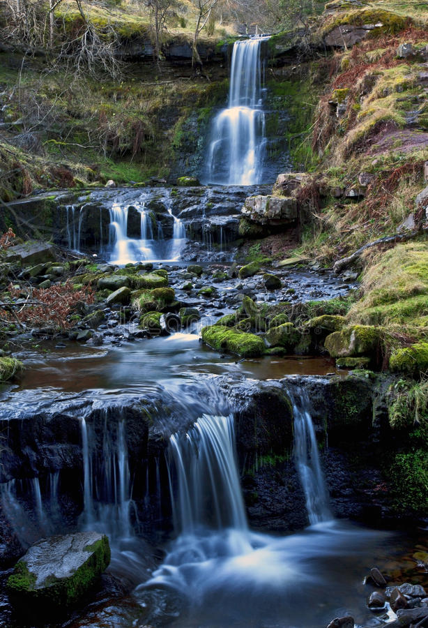 Mooie draperende waterval, Nant Bwrefwy, Hogere blaen-y-Glyn royalty-vrije stock foto's