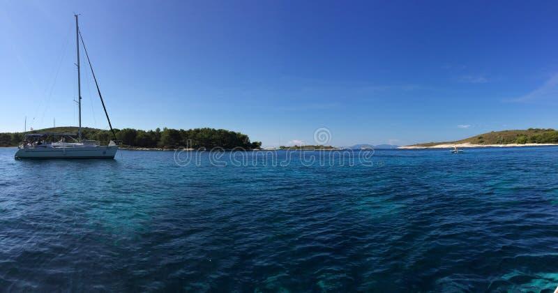 Mooie Eilanden Kroatië, de parel van het Middellandse-Zeegebied stock fotografie