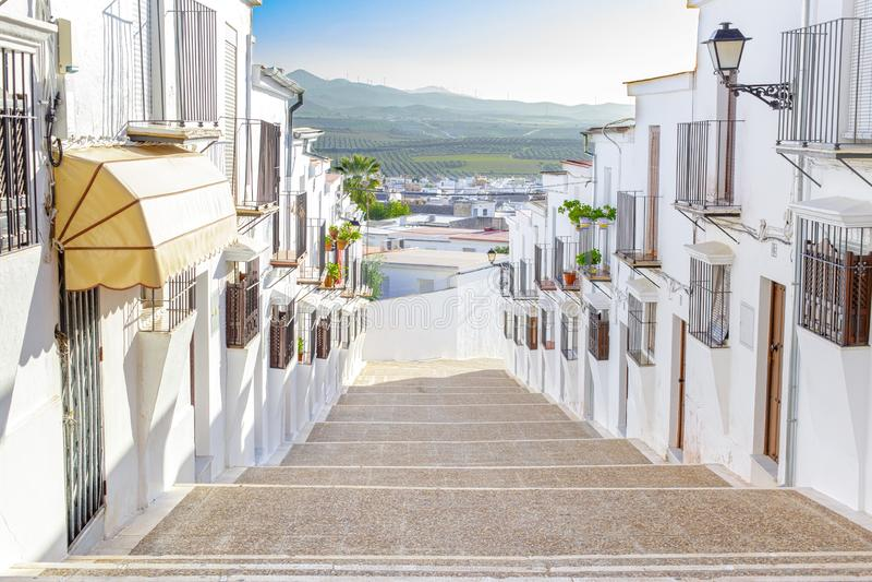 Mooie en typische straat in Osuna De hertogelijke stad verklaarde een historisch-Artistieke Plaats Provincie van Sevilla Zuidelij royalty-vrije stock afbeeldingen