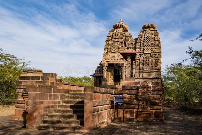 Mooie gesneden oude die Jain-tempels in de 6de eeuwadvertentie worden geconstrueerd in Osian, India royalty-vrije stock foto