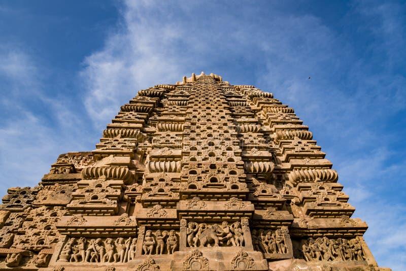 Mooie gesneden oude die Jain-tempels in de 6de eeuwadvertentie worden geconstrueerd in Osian, India stock foto's