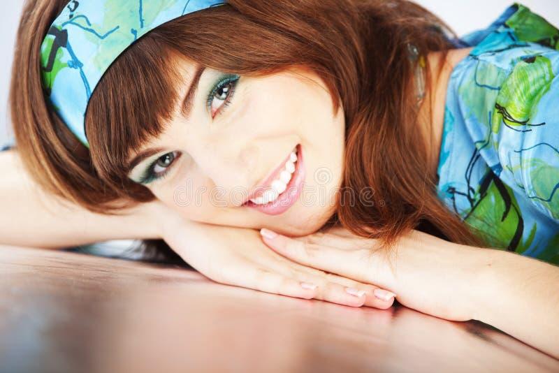 Mooie glimlachende vrouw royalty-vrije stock fotografie