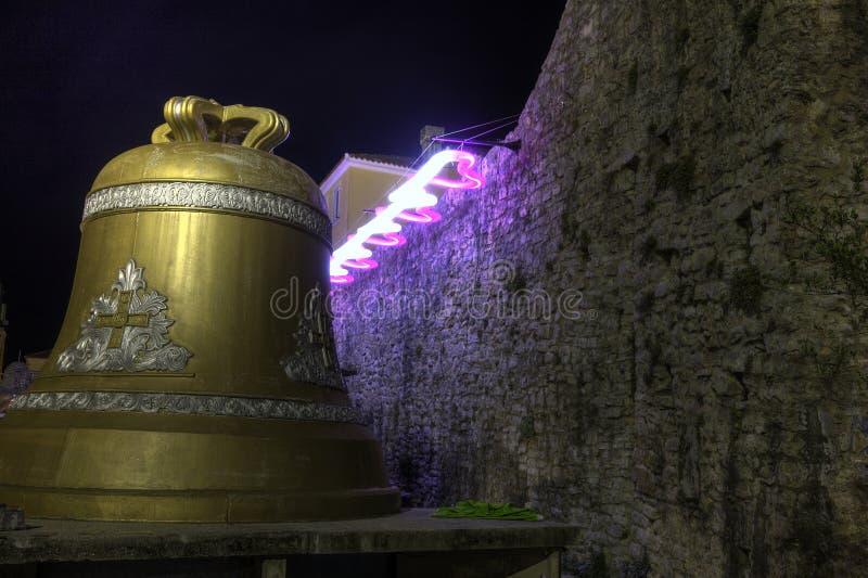 Mooie HDR-nachtfoto van beroemde grote klok in Budva stock foto's