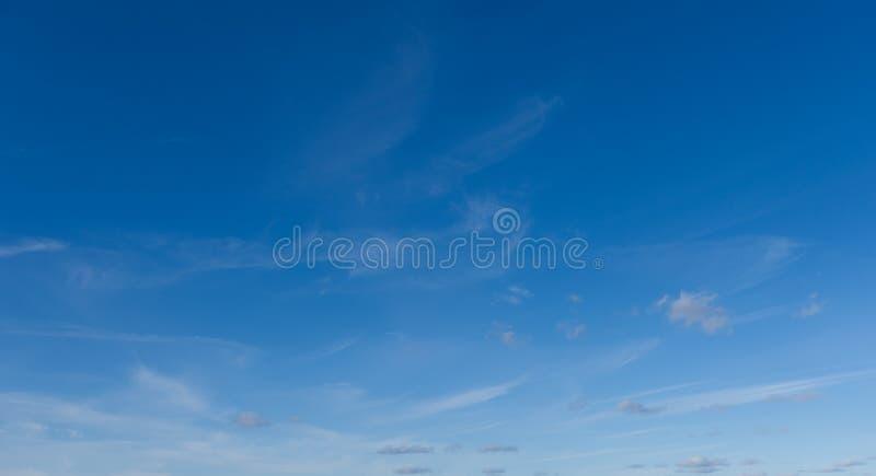 Mooie hemel en wolken Professionele spruit, geen vogels, geen lawaai royalty-vrije stock afbeeldingen