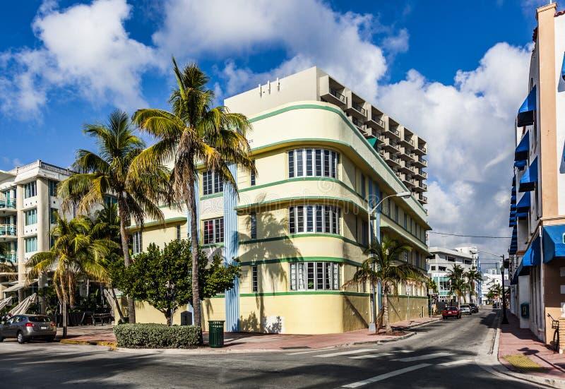 Art Deco Stijl : Onbekende maker kleurlitho s in art deco stijl catawiki