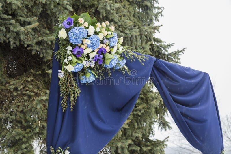 Mooie huwelijksboog voor huwelijk stock foto's