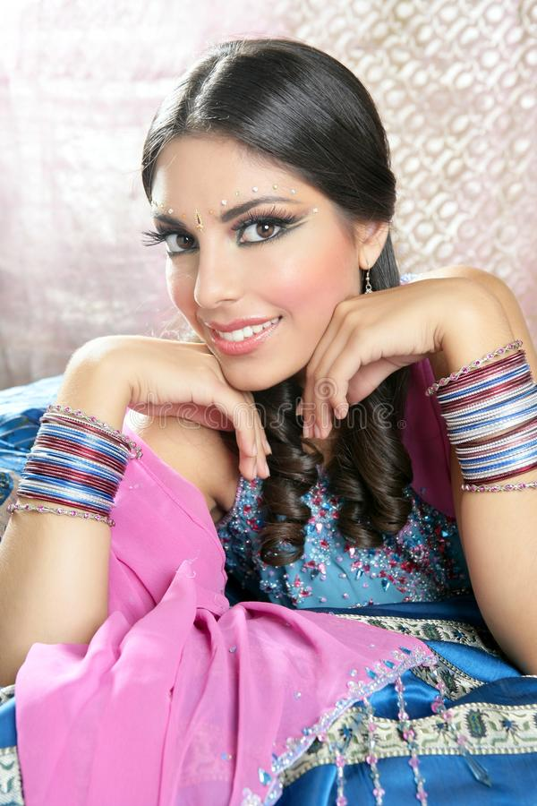 Mooie Indische traditionele manierstijl royalty-vrije stock foto