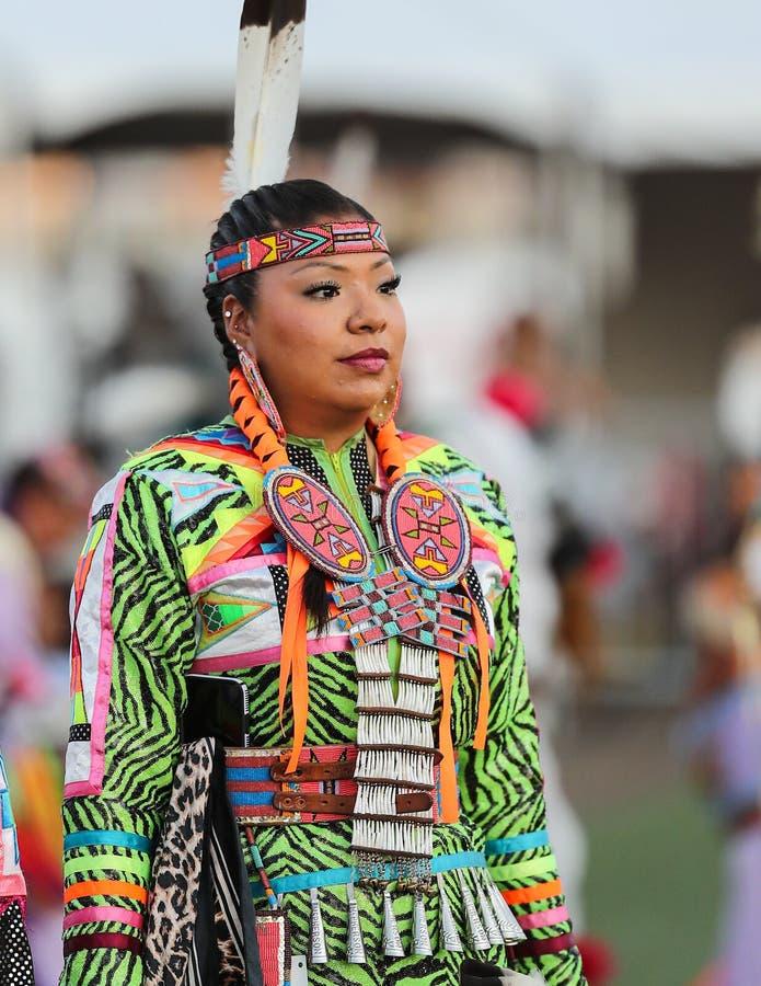 Mooie Inheemse Amerikaanse Vrouw royalty-vrije stock foto's