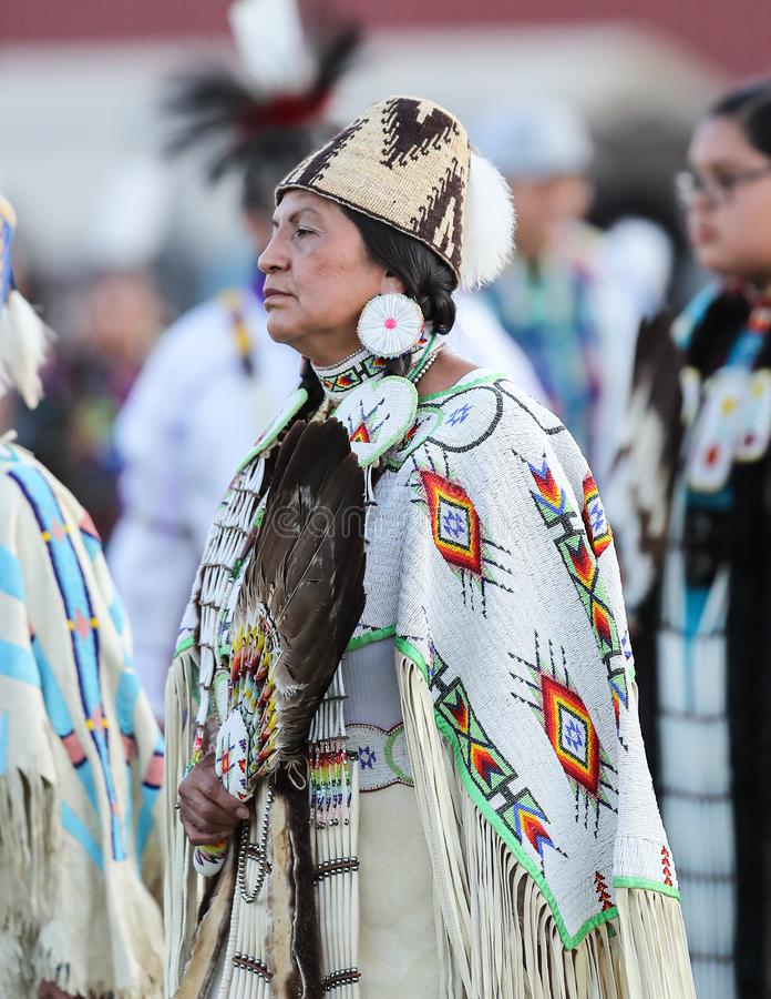 Mooie Inheemse Amerikaanse Vrouw royalty-vrije stock afbeelding