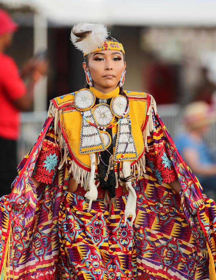 Mooie Inheemse Amerikaanse Vrouw royalty-vrije stock fotografie