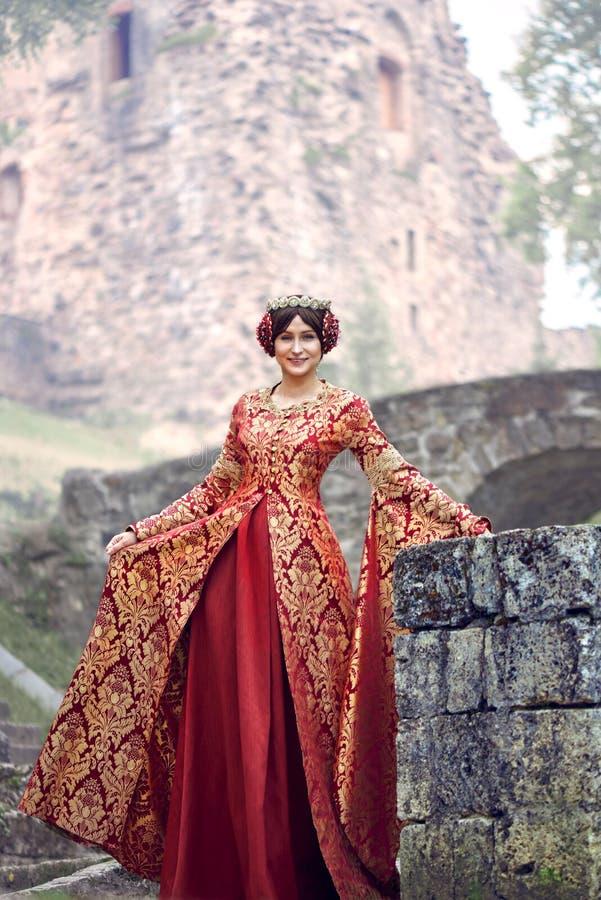 Mooie Isabella van Frankrijk, koningin van Engeland op Middeleeuwenperiode royalty-vrije stock fotografie