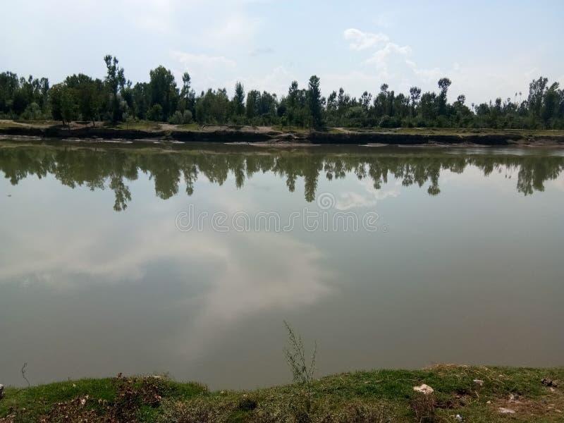 Mooie Jehlum-rivier royalty-vrije stock afbeeldingen