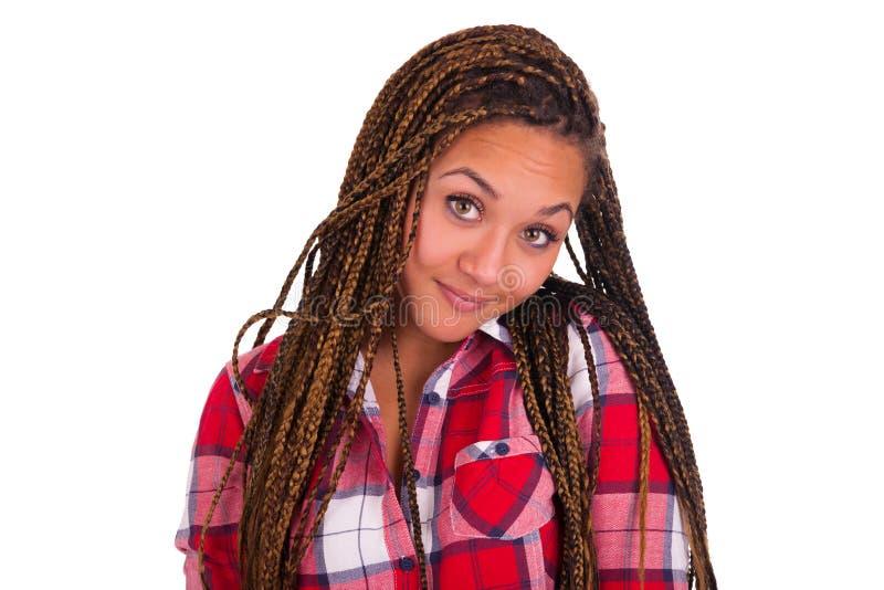 Mooie jonge Afrikaanse Amerikaanse vrouw met lang zwart haar royalty-vrije stock foto's