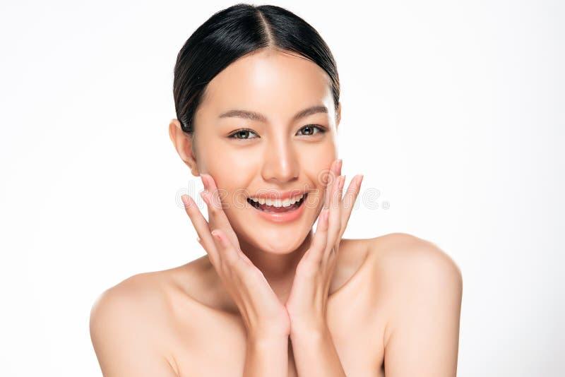 Mooie Jonge Aziatische Vrouw met Schone Verse Huid stock fotografie