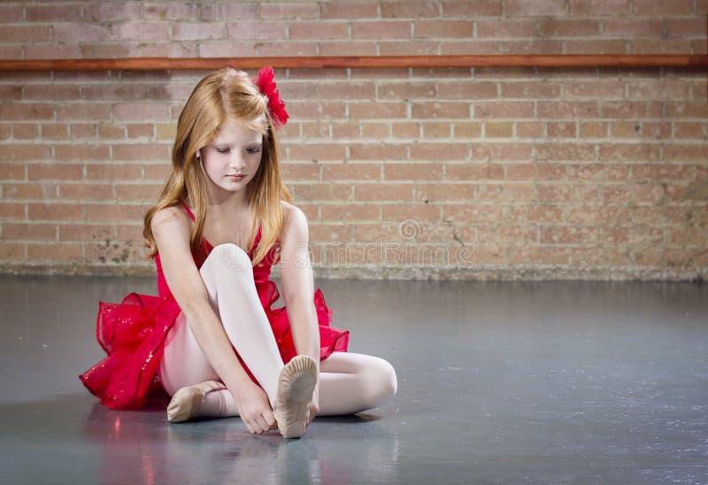 Mooie jonge ballerina royalty-vrije stock foto's