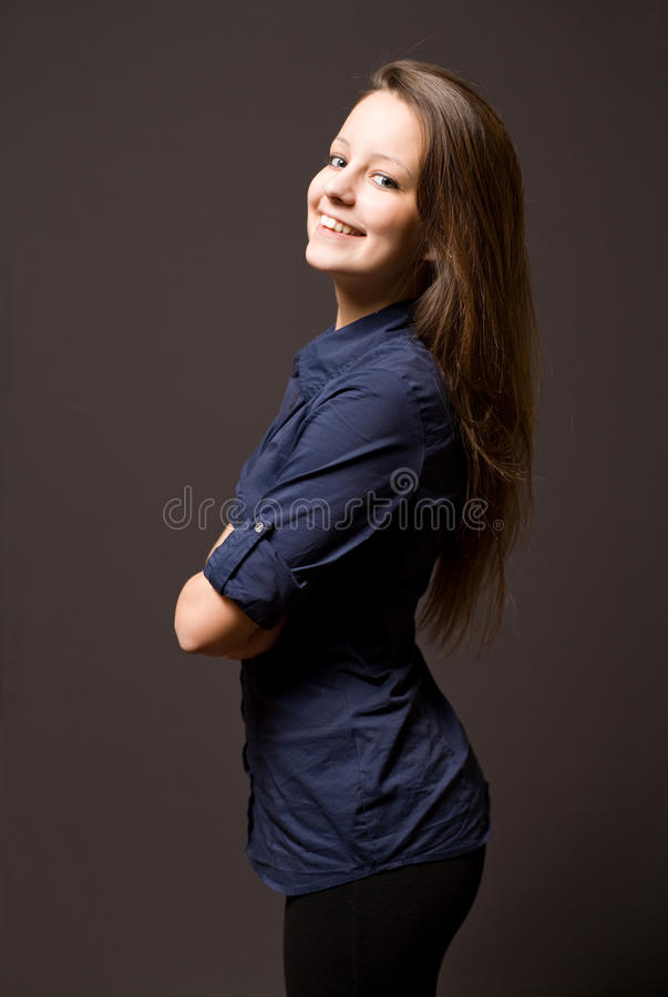 Mooie jonge donkerbruine vrouw. royalty-vrije stock afbeelding