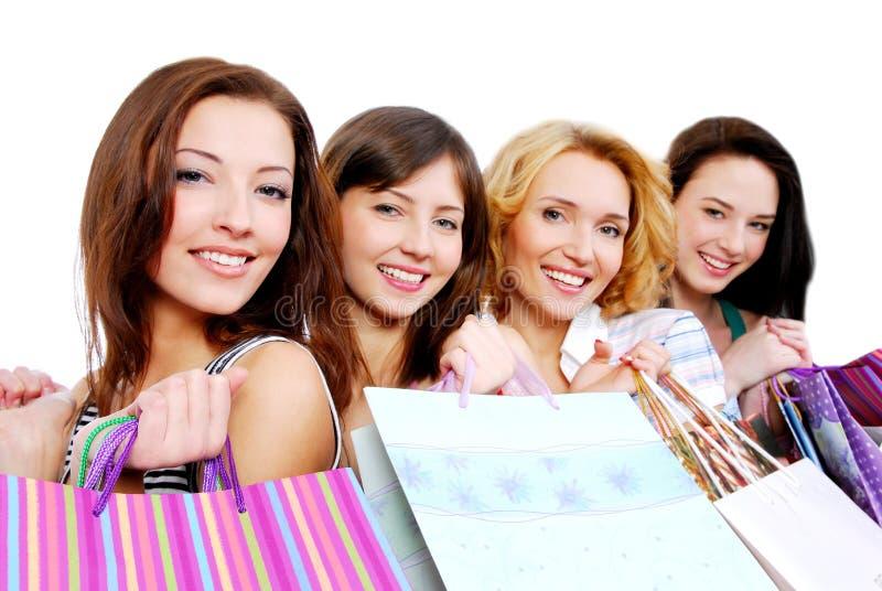 Mooie jonge gelukkige mensen met gift stock fotografie