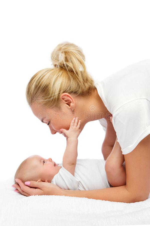 Mooie jonge moeder met het meisje van de peuterbaby stock foto's