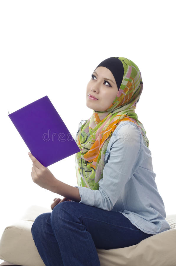 Mooie jonge muslimah royalty-vrije stock foto's