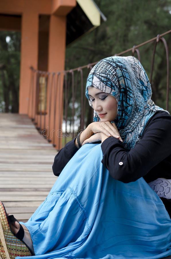 Mooie jonge muslimah stock foto's