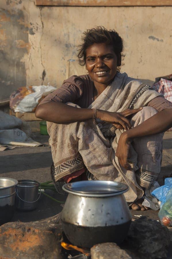 Mooie jonge straatvrouw in Chennai, India stock foto's