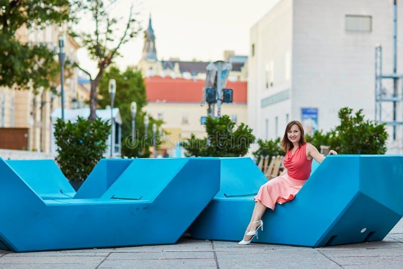 Mooie jonge toerist in Wenen stock foto's