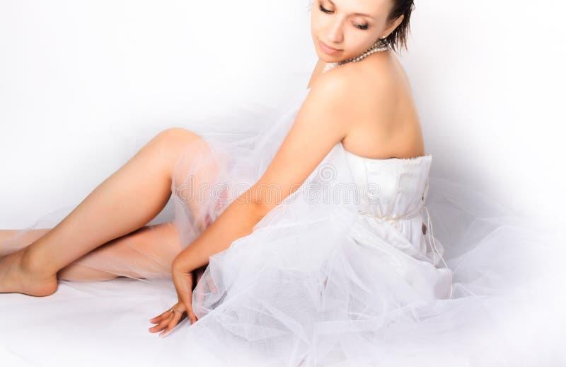 Mooie jonge vrouw stock foto