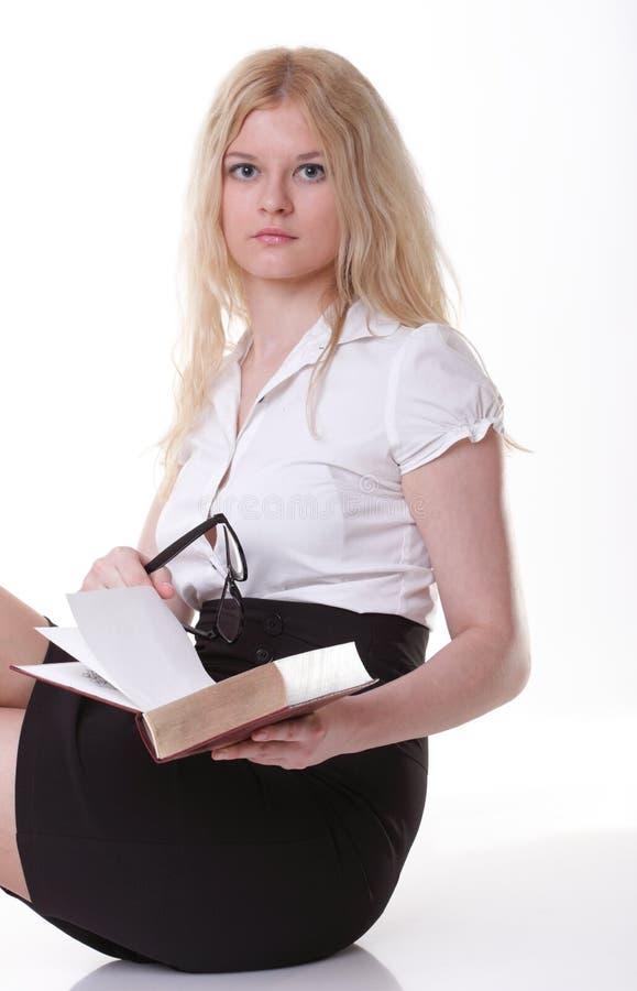 Mooie jonge vrouw met boeken witte achtergrond royalty-vrije stock fotografie