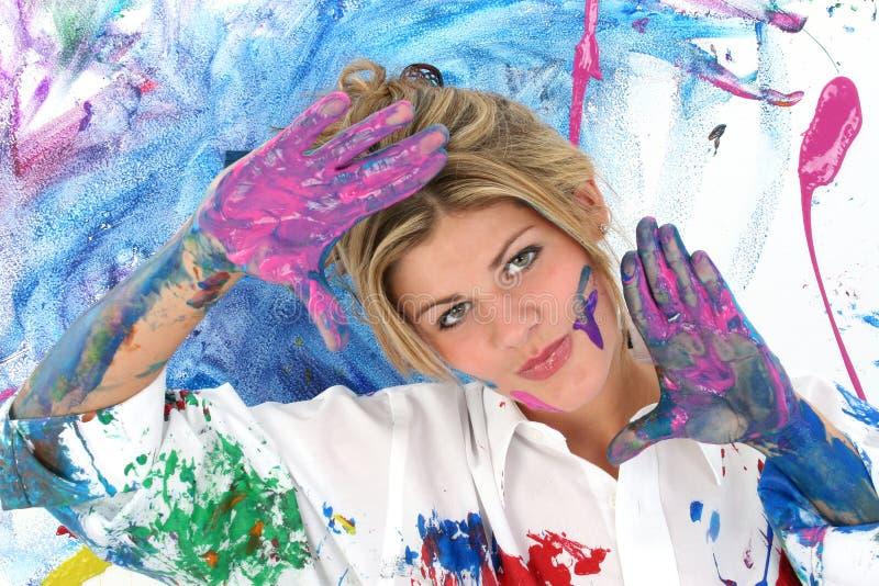 Mooie Jonge Vrouw Omvat in Verf stock afbeeldingen