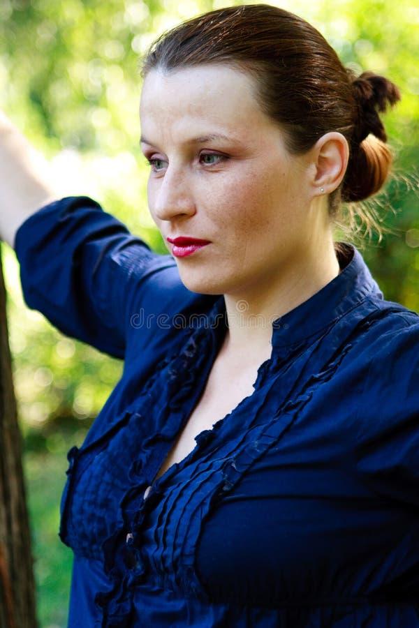 Mooie jonge vrouwenclose-up stock afbeeldingen