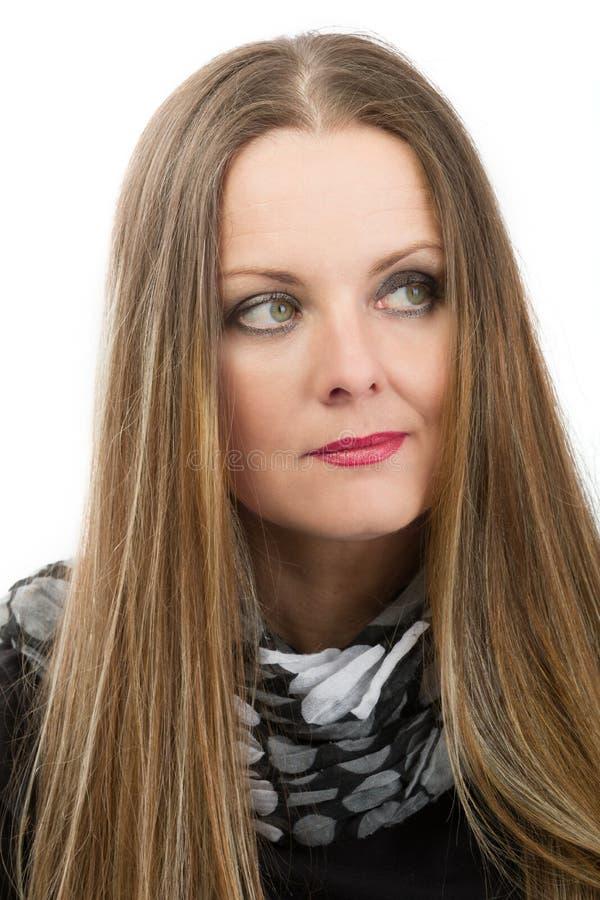 Mooie kankerpatiënt van de middenleeftijdsvrouw alvorens haar te scheren royalty-vrije stock afbeeldingen