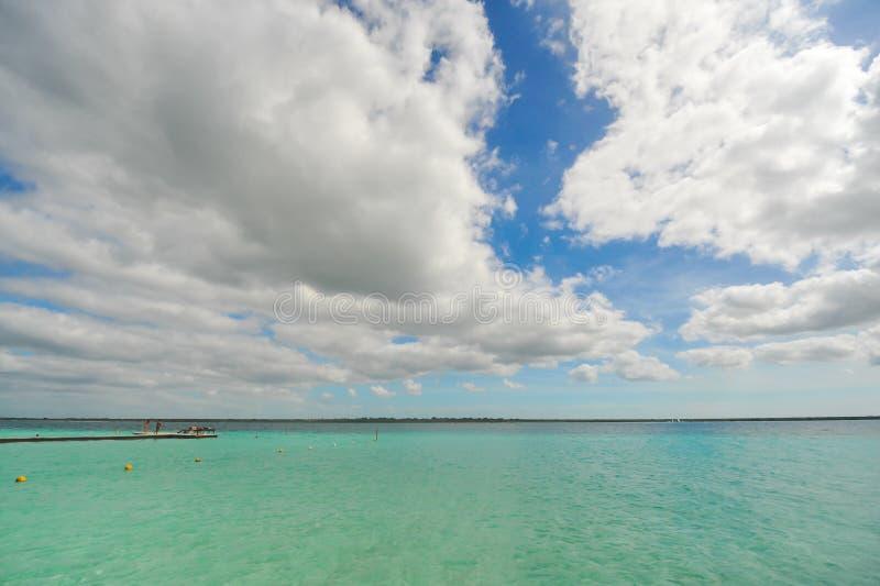 Mooie kleuren van de lagune van bacalar royalty-vrije stock afbeeldingen