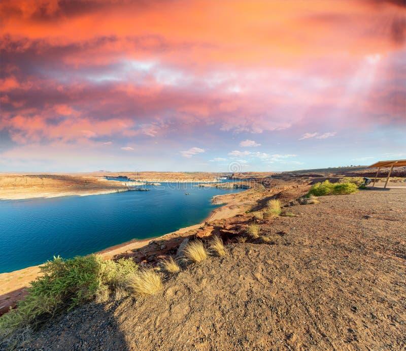 Mooie kleuren van Meer Powell en Glen Canyon Dam, Arizona royalty-vrije stock afbeelding