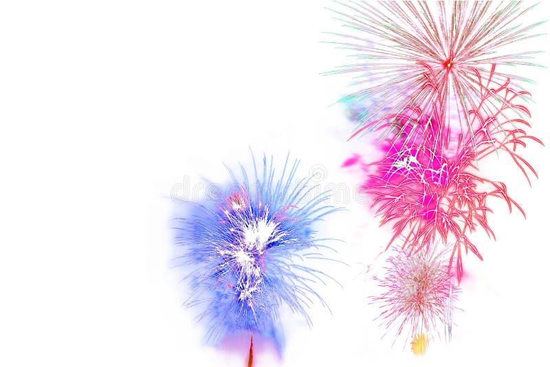 Mooie kleurrijke geïsoleerde vuurwerkvertoning voor viering hap stock foto
