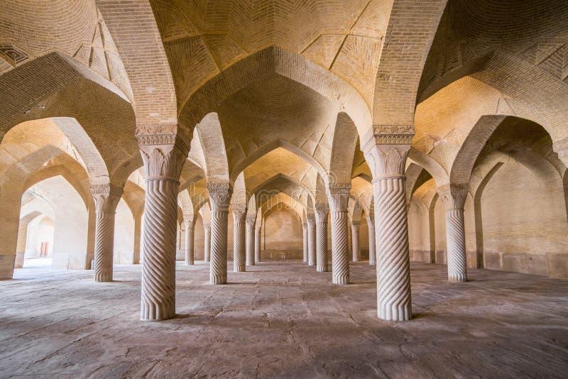 Mooie kolommen in Vakil-Moskee, Shiraz, Iran stock foto
