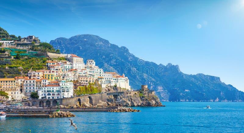 Mooie kuststad Amalfi in provincie van Salerno, in gebied van Campania, Itali? royalty-vrije stock foto