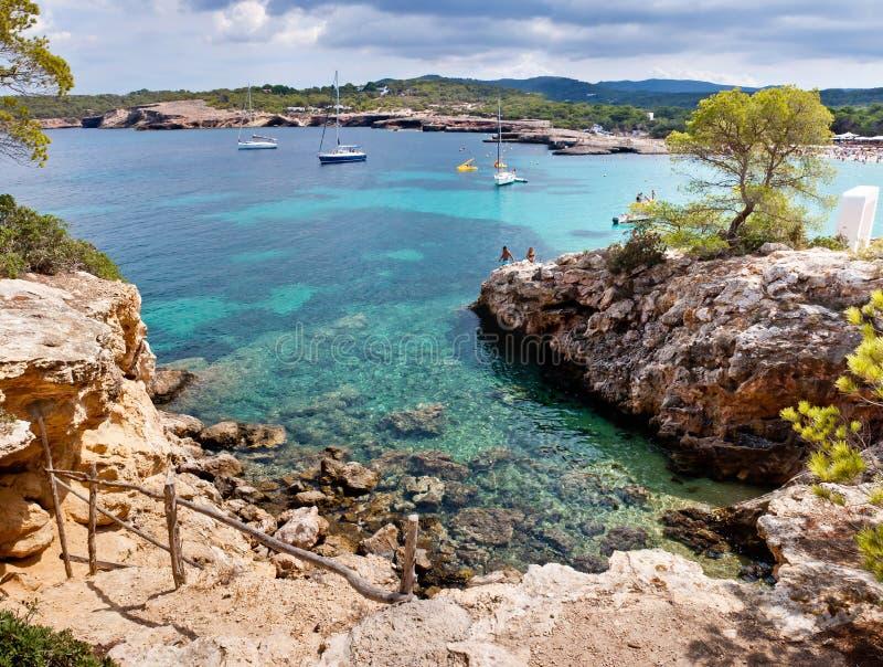 Mooie lagune in Ibiza stock afbeelding