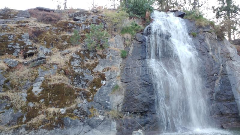 Mooie landschapsfoto van een waterval stock afbeelding