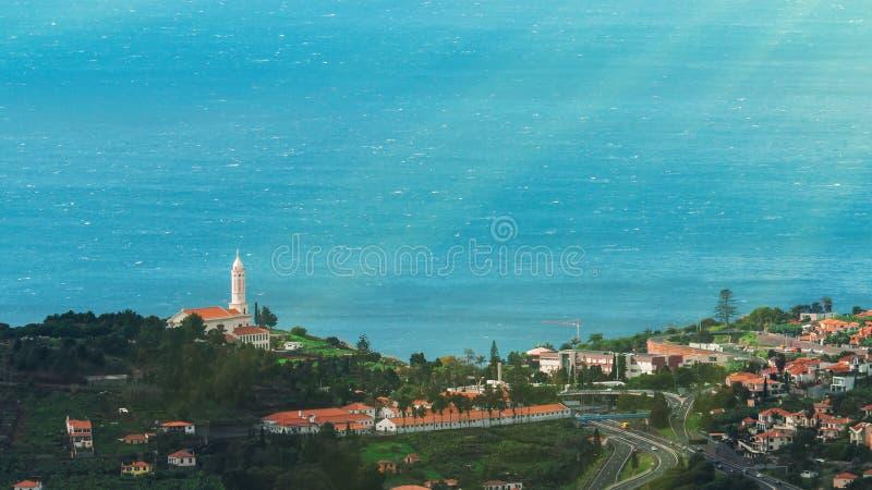 Mooie landschapsmening van Funchal, Madera, vanaf de bovenkant van de berg royalty-vrije stock afbeeldingen