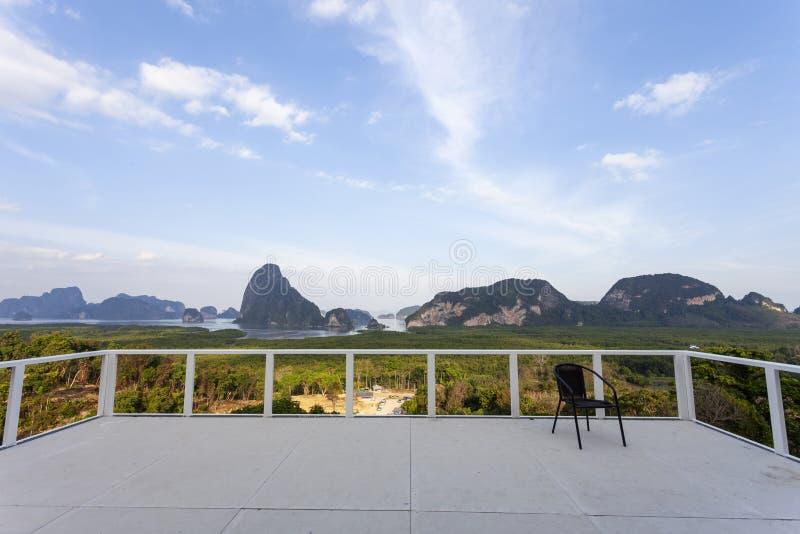 Mooie landschapsmening vanuit sametnangshegezichtspunt in Phangnga Thailand royalty-vrije stock afbeeldingen