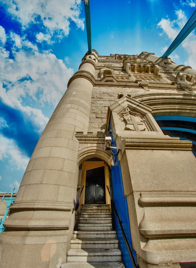 Mooie lichten van de Brug van de Toren in Londen stock fotografie