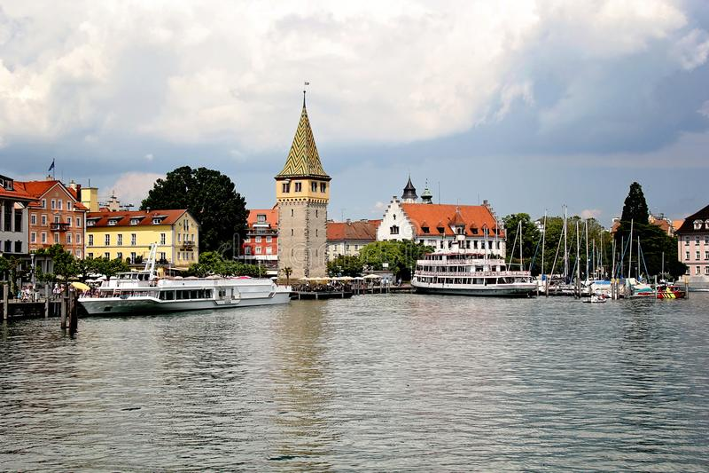 Mooie Lindau-Havenhaven in het Meer van Konstanz, Germa stock afbeeldingen