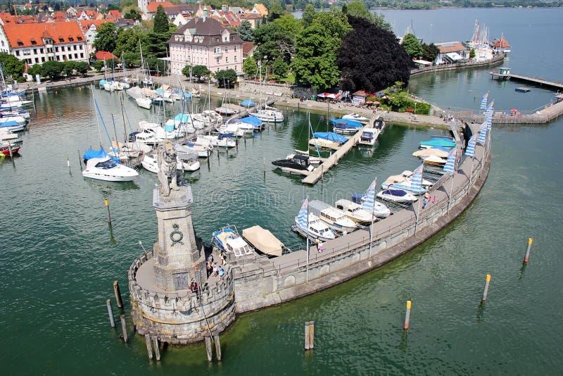 Mooie Lindau Lion Statute in het Meer van Konstanz, voorspelt royalty-vrije stock fotografie