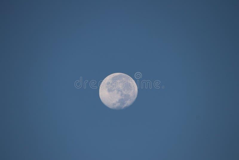 Mooie maan en hemel stock foto
