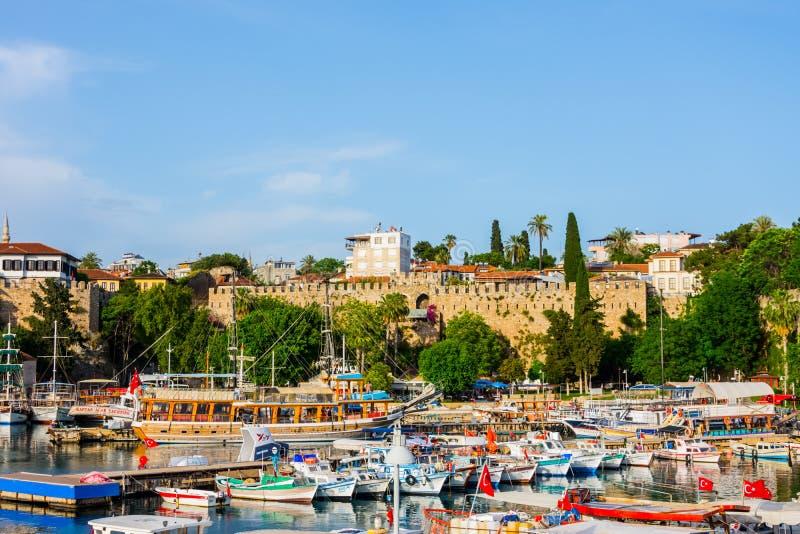 Mooie marine in de stad van Antalya in Turkije royalty-vrije stock fotografie