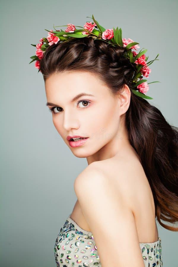 Mooie Meisjesmannequin met Prom-Kapsel stock foto's